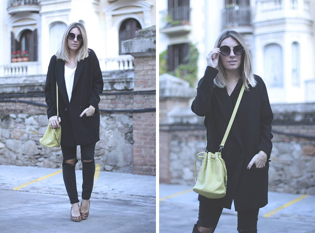 black-blazer-outfit-jeans