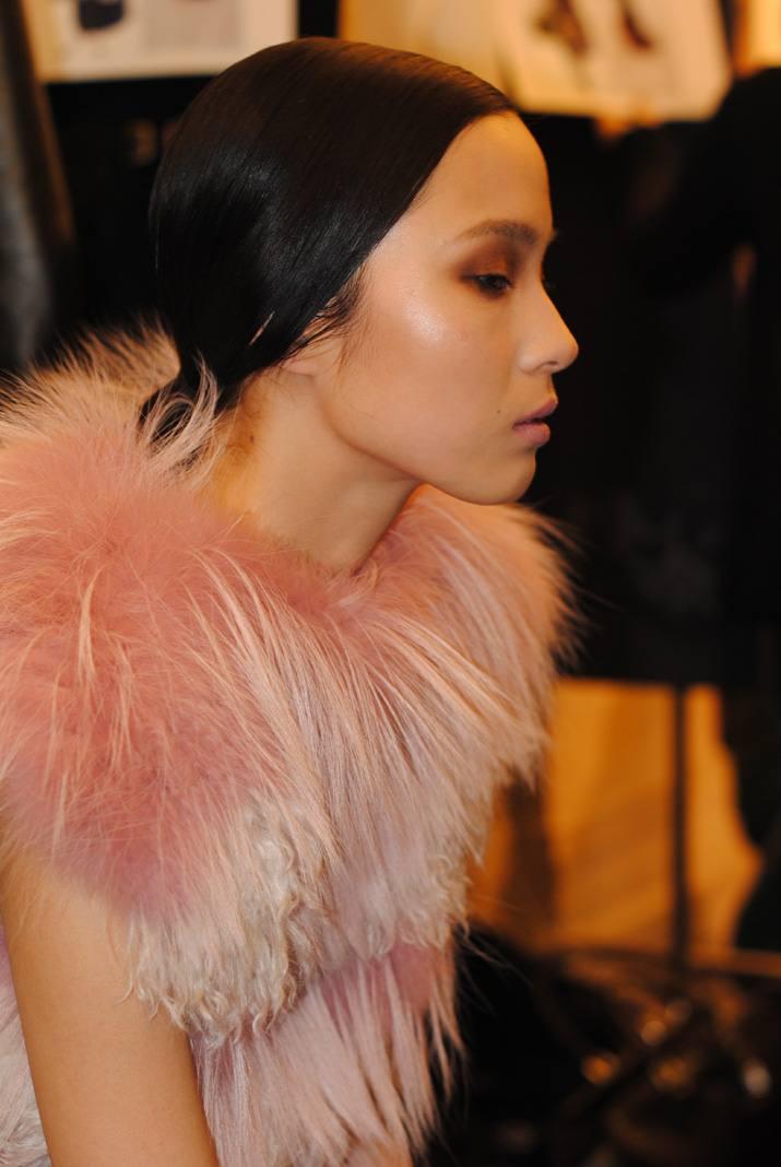 Model Paris Fashion Week backstage