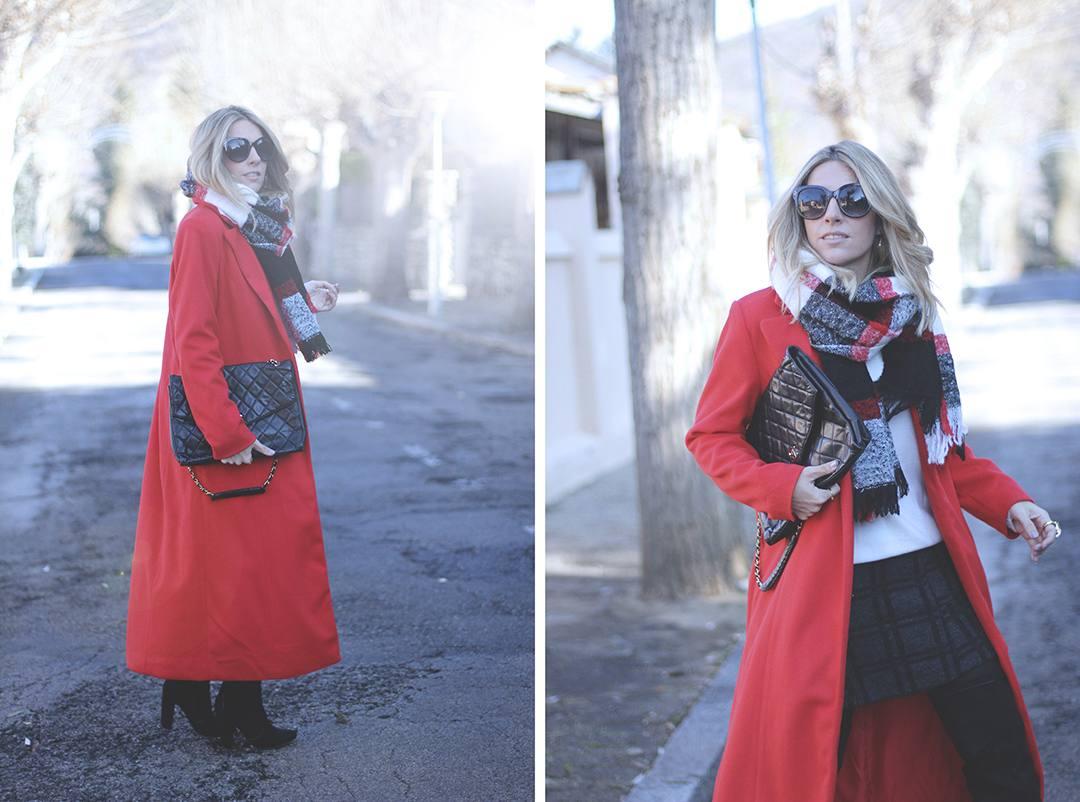 Red-Coat-Blogger-2015