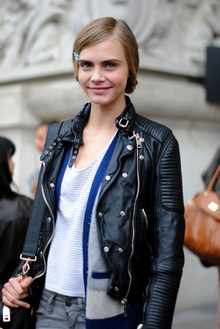 Cara Delevigne Street Style Paris Fashion Week  blog(10)