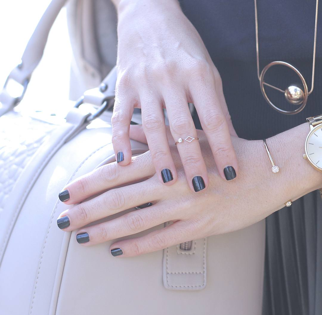 black-nails-blogger-style-barcelona-streetstyle-2016