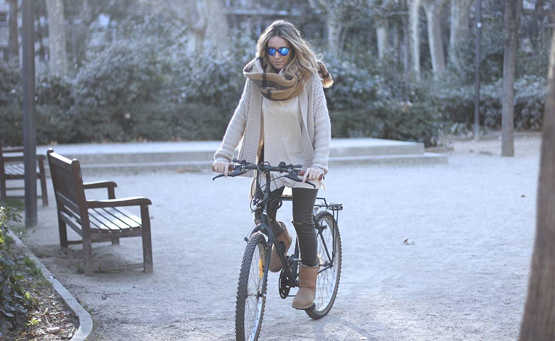 bloguera-de-moda-BARCELONA-bici-monica-sors