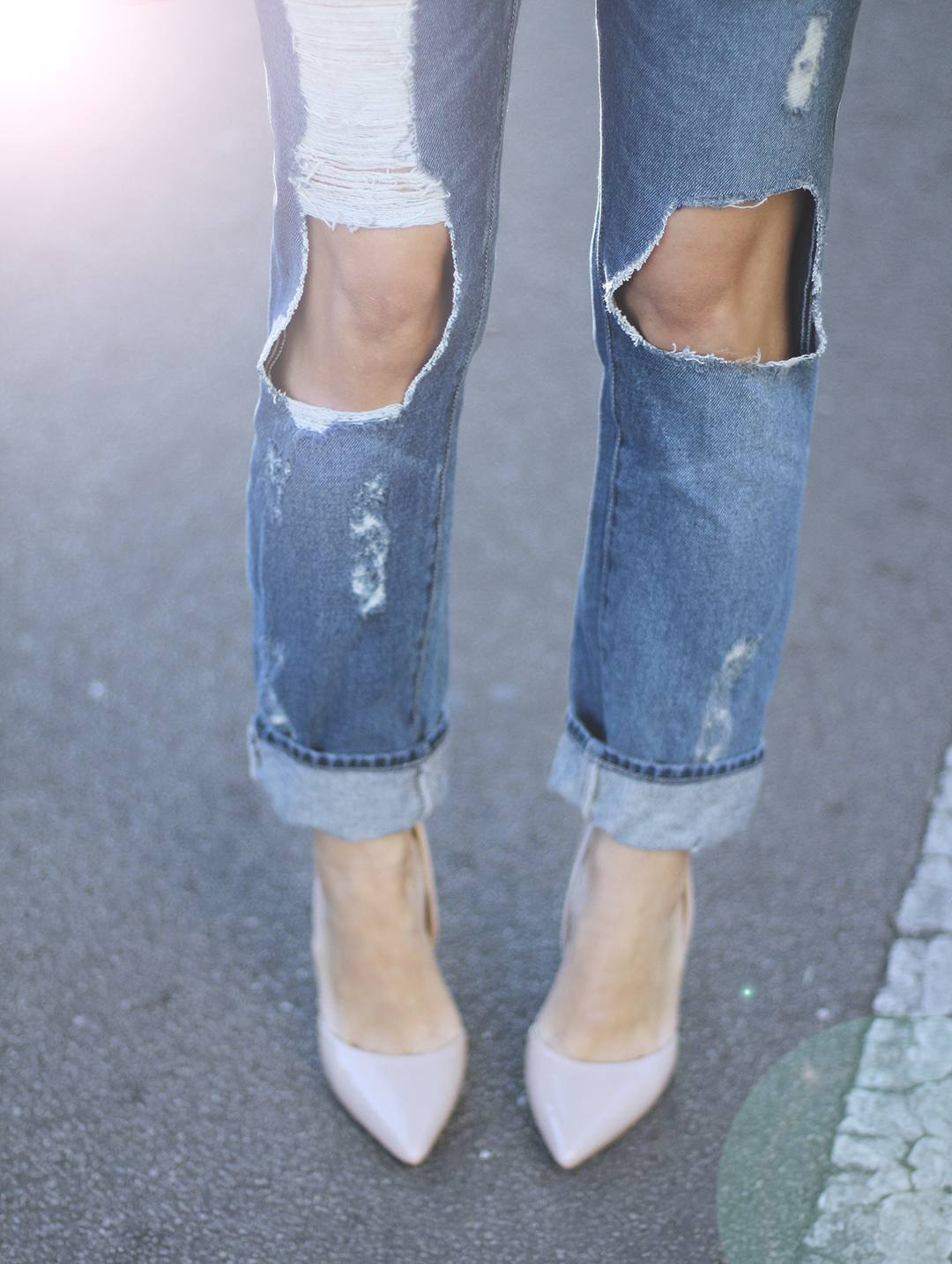ripped-jeans-sales