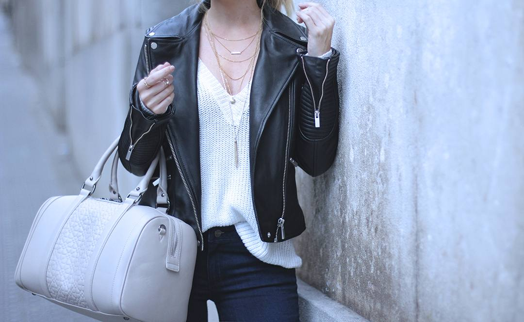 v-neck-sweater-blogger-style-LOOKS