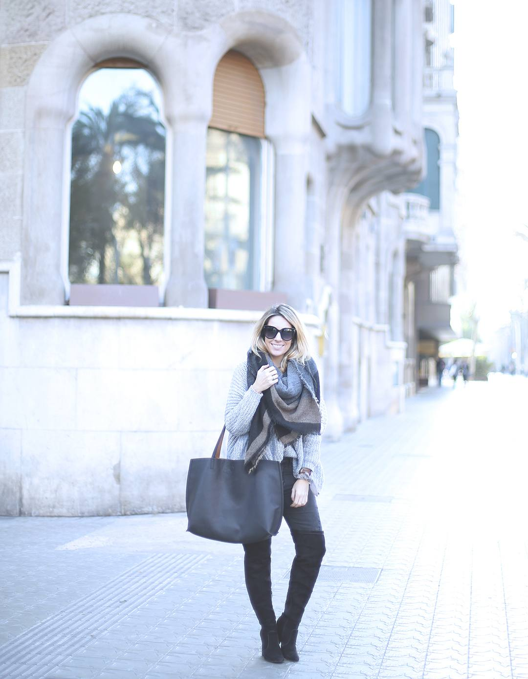 Barcelona-fashion-blog-streetStyle-2016-over-the-knee-boots-blogger