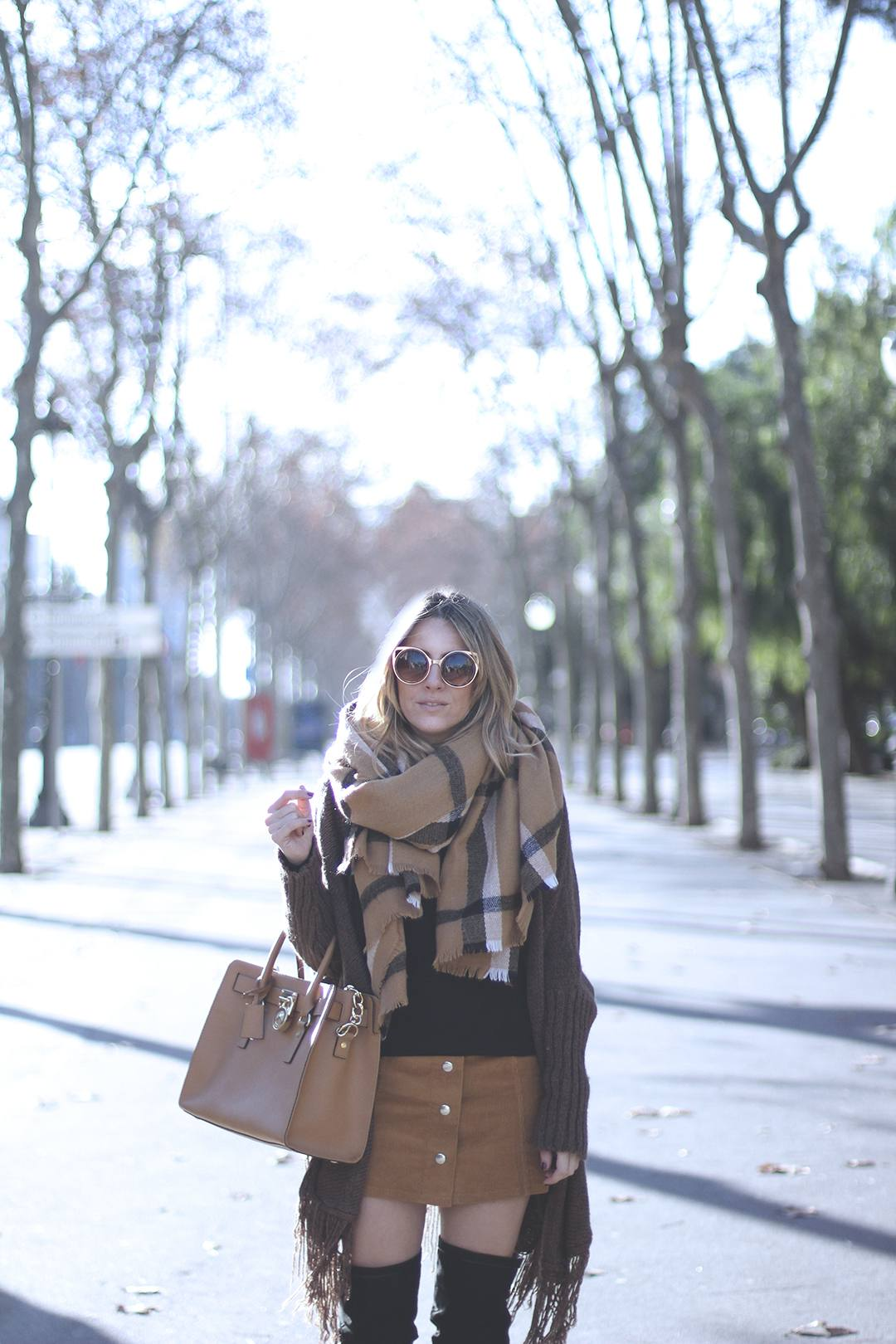 camel-skirt-outfit-blogger-2016-trends
