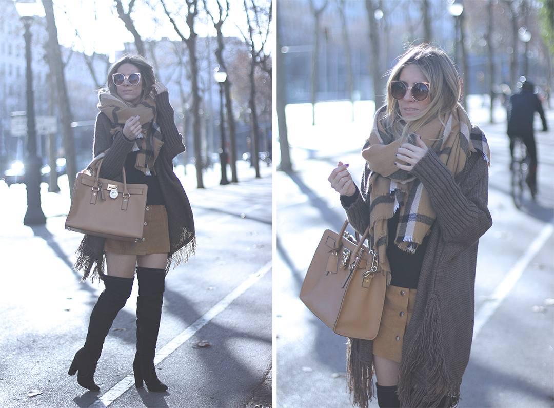 look-con-falda-camel-botas-por-encima-de-la-rodilla