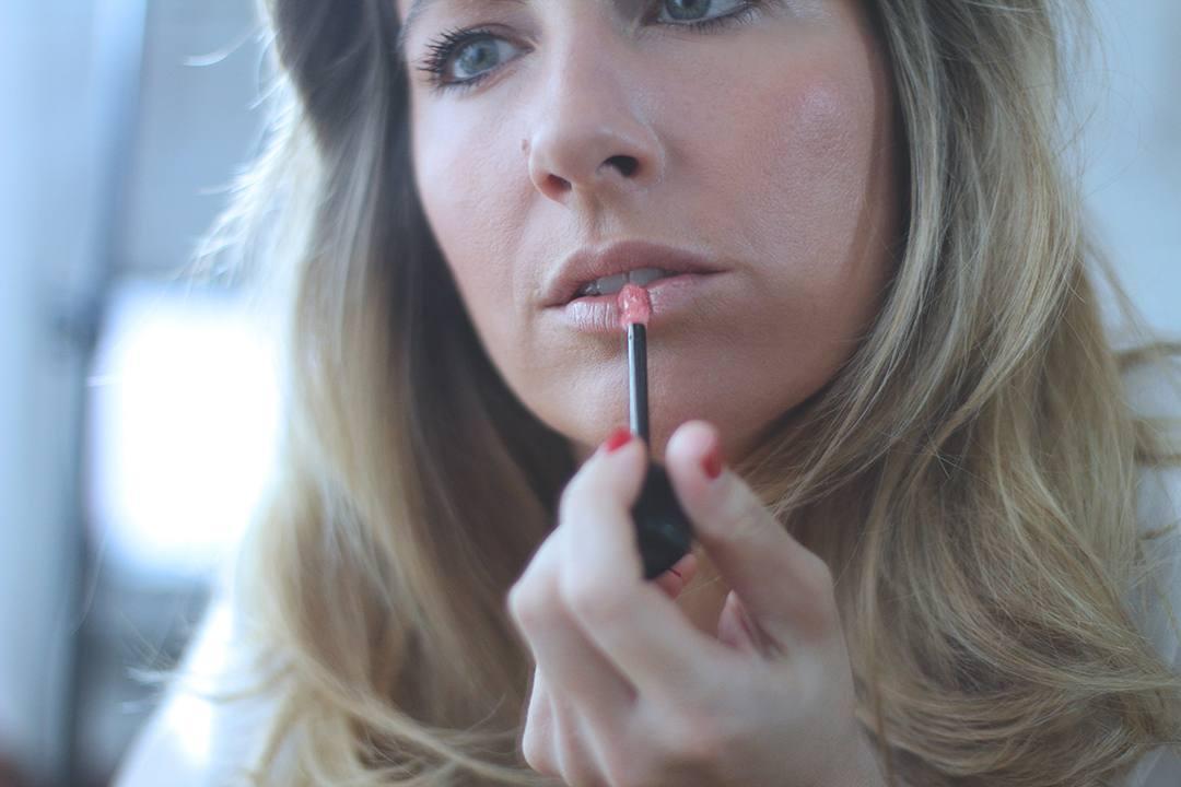 Monica-sors-for-loreal-make-up-countouring