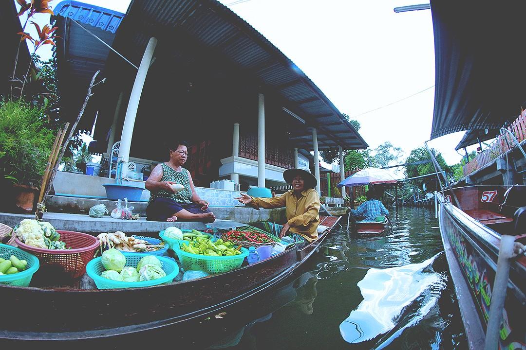 floating-market-thailand-Damnoen-Saduak