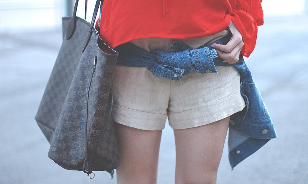 beige-shorts-street-style-blog