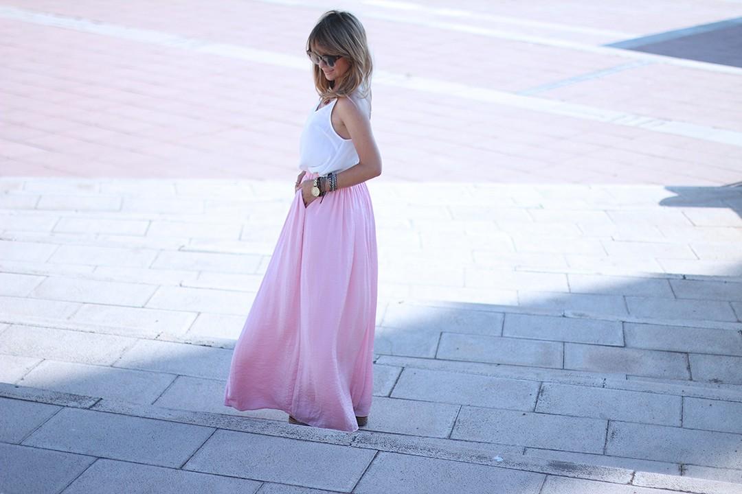 pink-maxi-skirt-blogger-