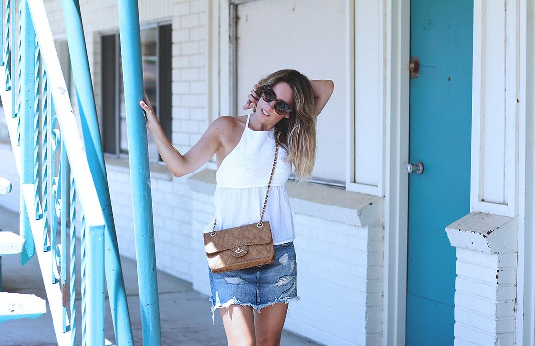 Abandoned-motel-shooting-fashion-blogger