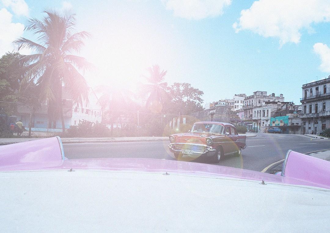 BARBIE-CAR-CUBA
