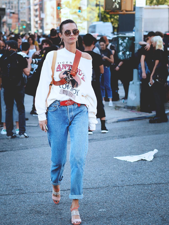 new-york-fashion-week-september-2016-street-style-21