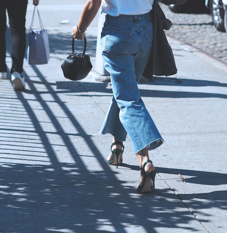 new-york-fashion-week-september-2016-street-style-27