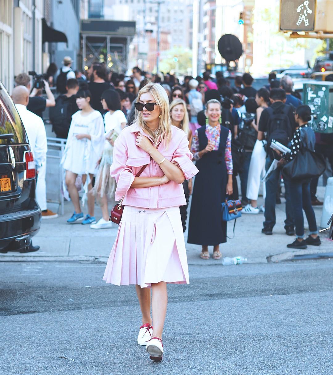 new-york-fashion-week-september-2016-street-style-28