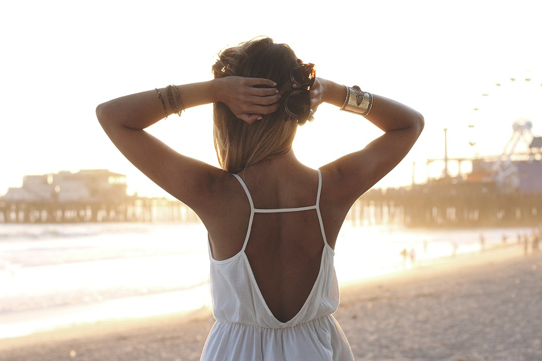 open-back-dress-california-blogger