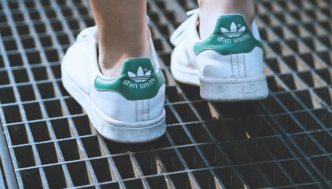 stan-smith-adidas-streetstyle-new-york-fashion-week-monica-sors