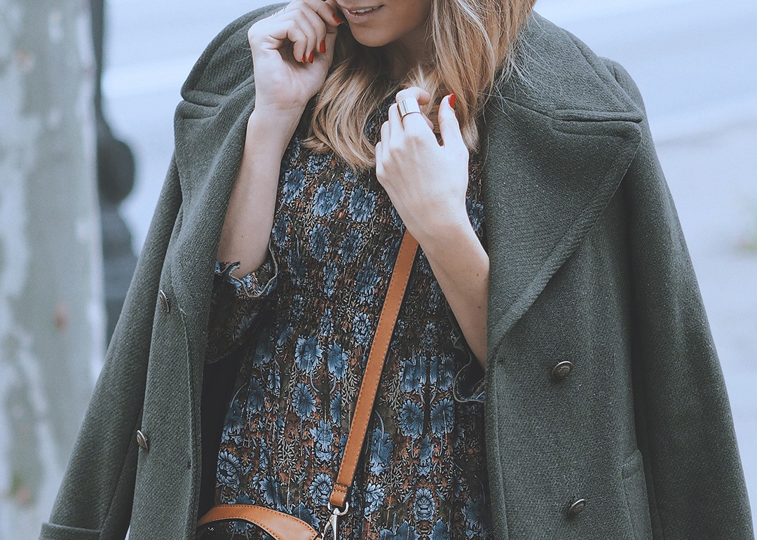 military-coat-fashion-blogger-2016-winter-trends-street-style-blog-bcnimg_0039