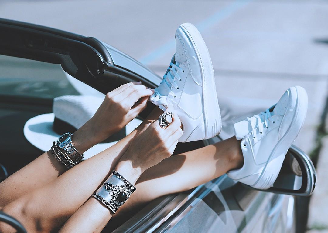 fashion-blogger-car-2016