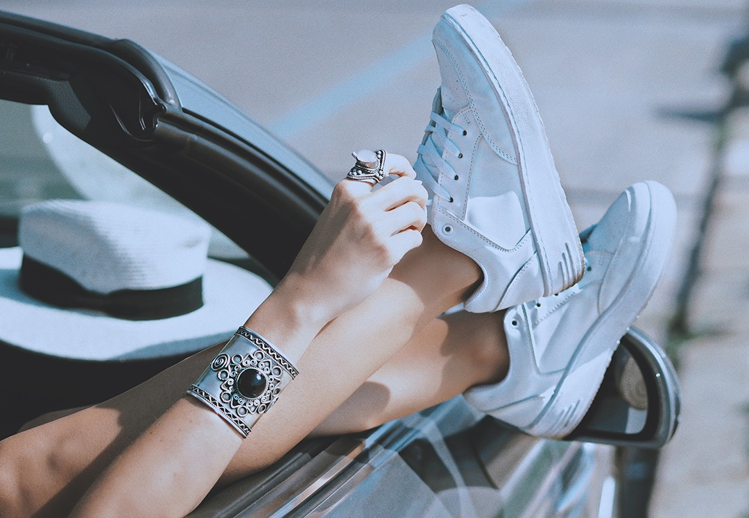 fashion-blogger-sneakers-october-2016