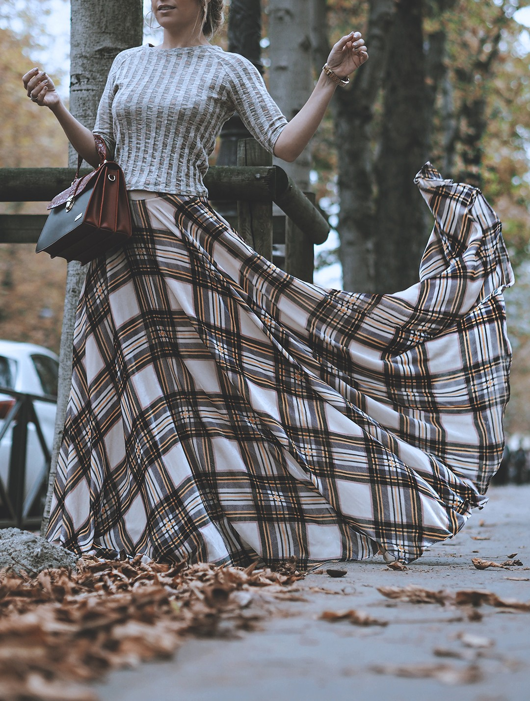 tete-by-odette-paris-shooting-monica-sors-autumn-plaid-skirtimg_2271