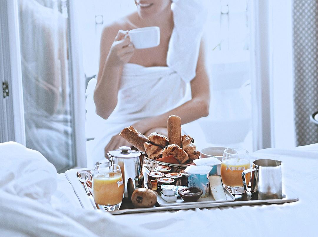 room-breakfast-hotel-elysees-8-copia