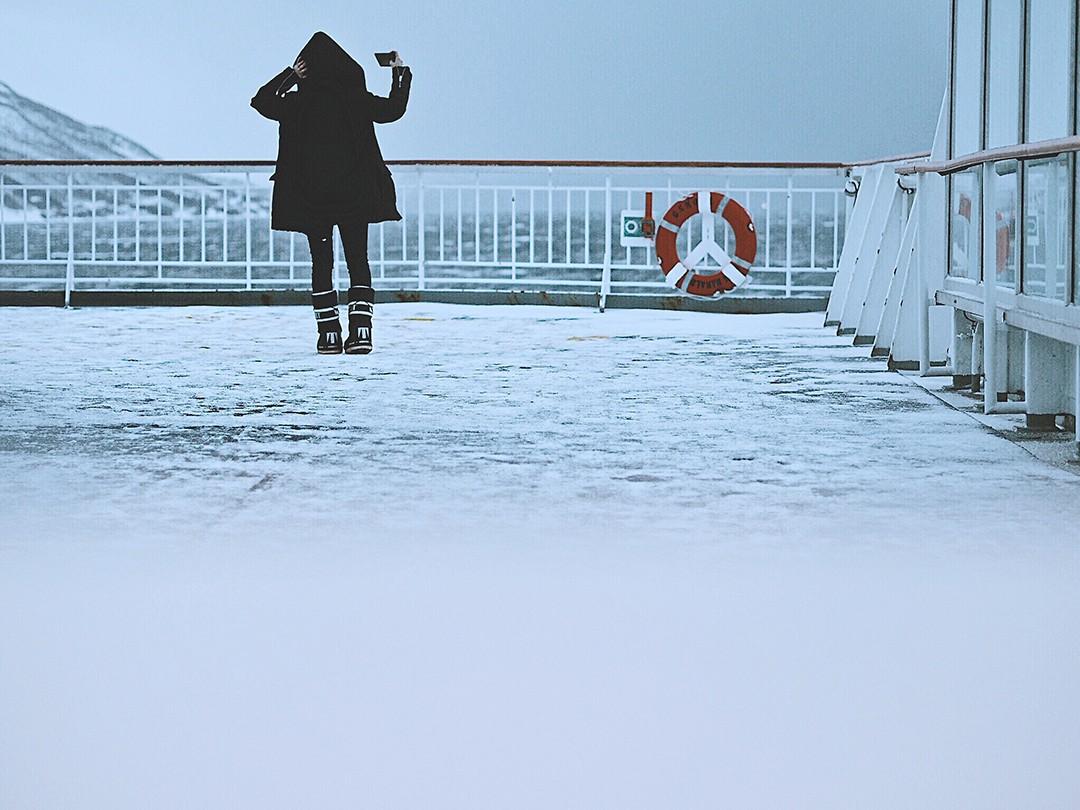 Hurtigruten-cruise-fjord-of-norway-fashion-blogger-aurora-borealis-tromso-guideIMG_6456