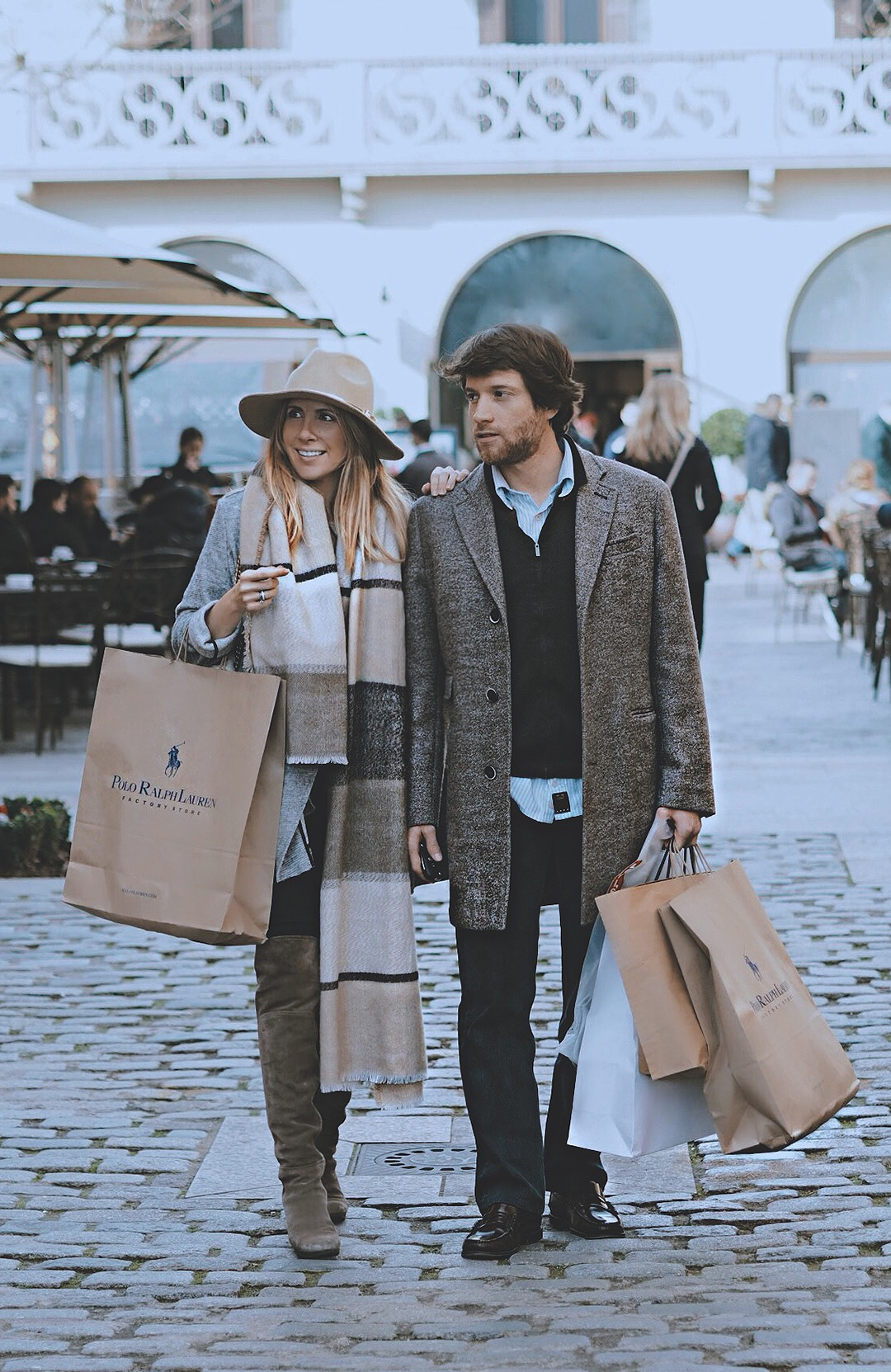 la-roca-village-shopping-day-couple-fashion-blog-barcelona-2017img_5182