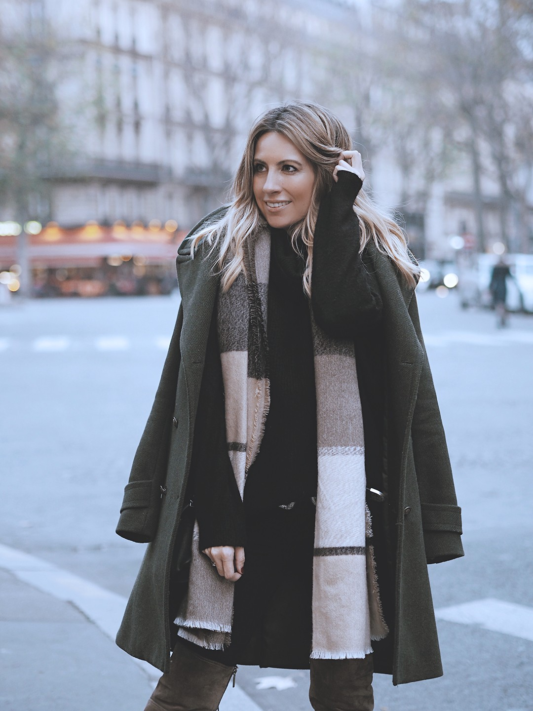 paris-street-style-fashion-blogger-2017-over-the-knee-bootsimg_5242