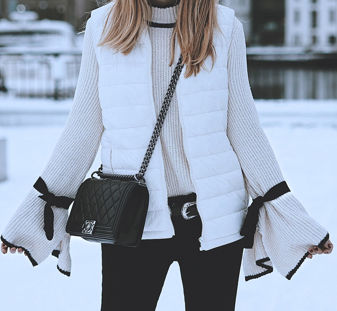 flare-sleeves-jumper-fashion-blogger-monica-sors-2017-street-style