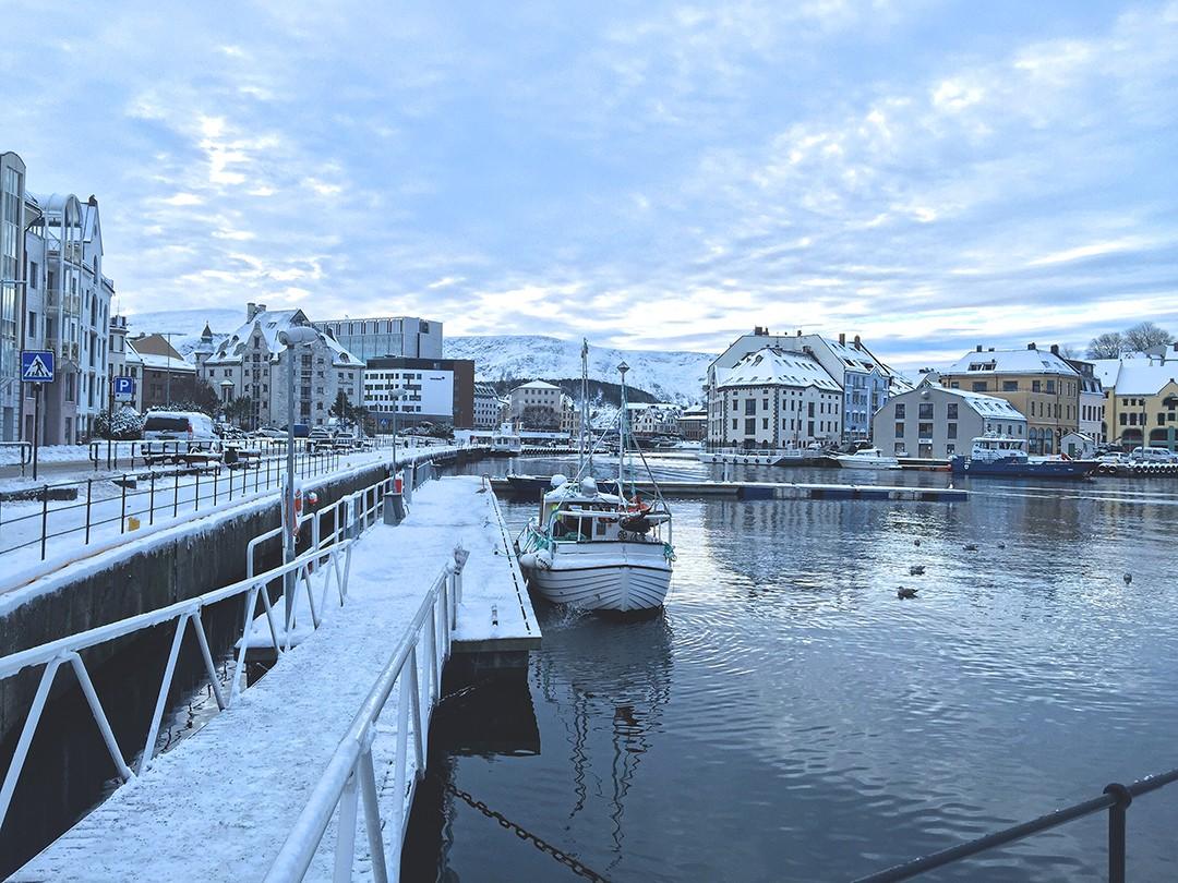 Crucero-fiordos-noruegos-blogger-de-moda-viajes-2017-monica-sorsIMG_6429