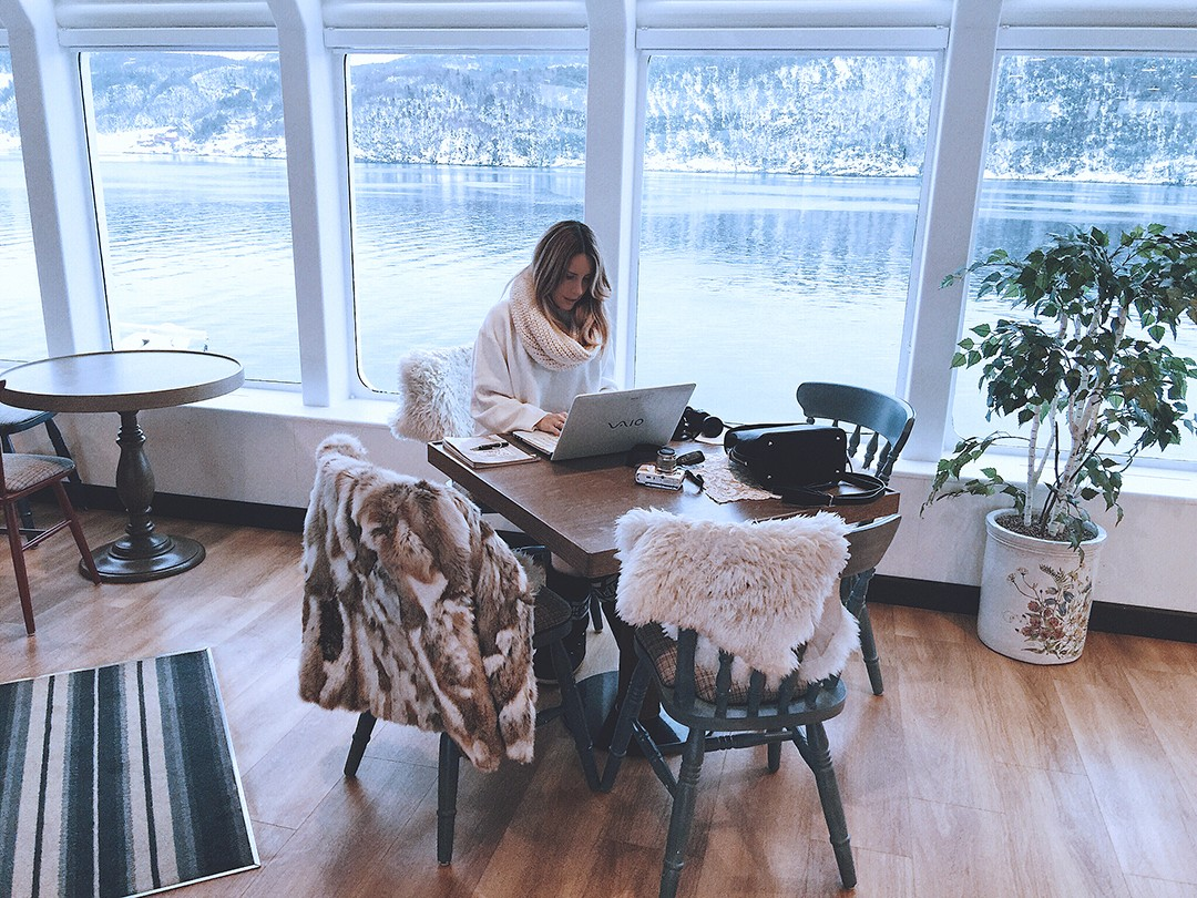 Monica-Sors-crucero-fiordos-noruegos-hurtigruten-2017-kong-haraldIMG_6263