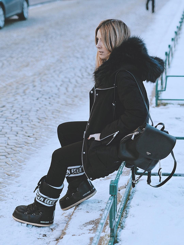 Winter-look-fashion-blogger-snow-2017-bergen-navy-parka-ikksIMG_6434