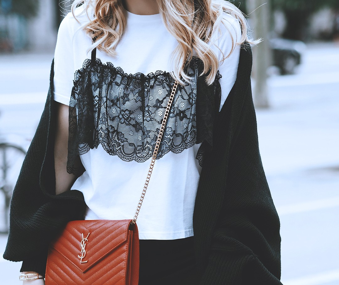 lace-crop-top-fashion-blogger-outfit-mes-voyages-a-paris-blog