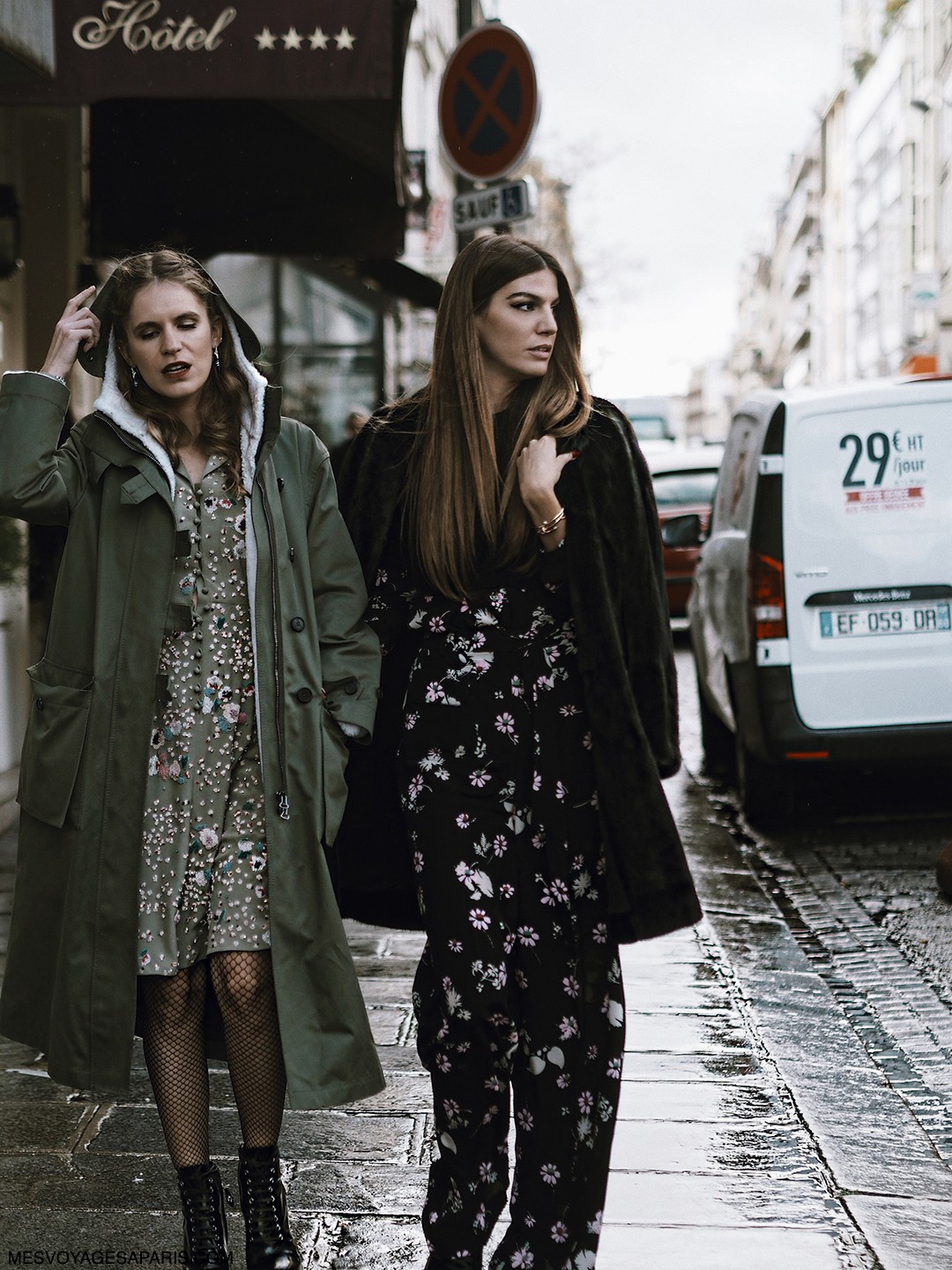 Bianca-Brandolini-PFW-street-style-march-2017-rainy-day-looks
