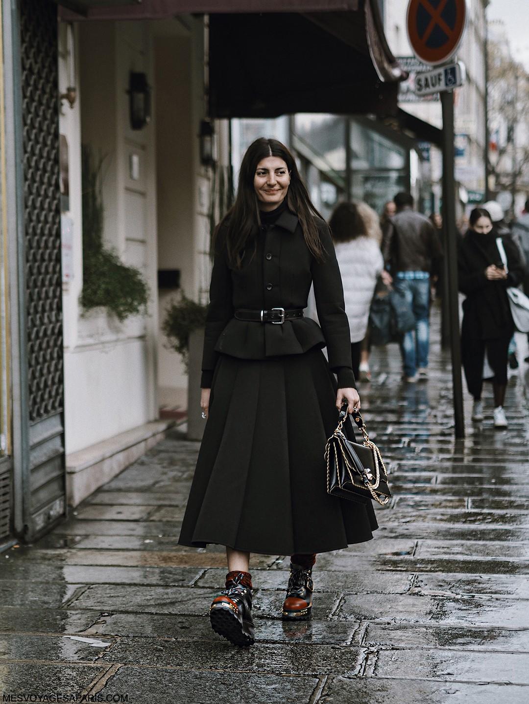 giovanna-battaglia-PFW-street-style-march-2017-rainy-day-look