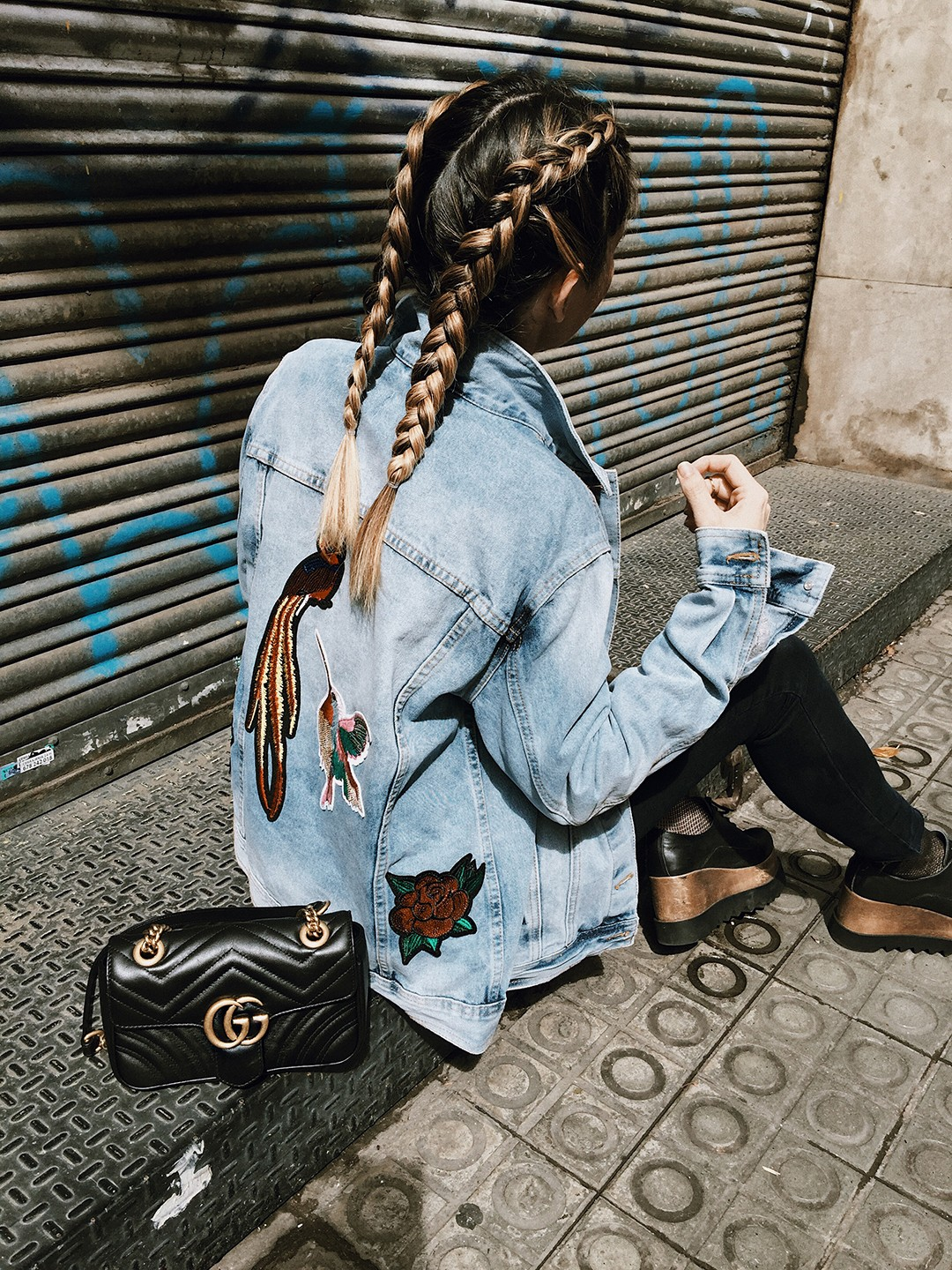 gucci-gg-marmont-leather-shoulder-bag-street-style-trends-2017