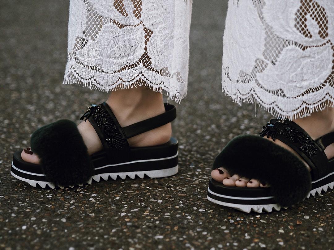 lace-pants-street-style-paris-fashion-week-monica-sors-fashion-blogger