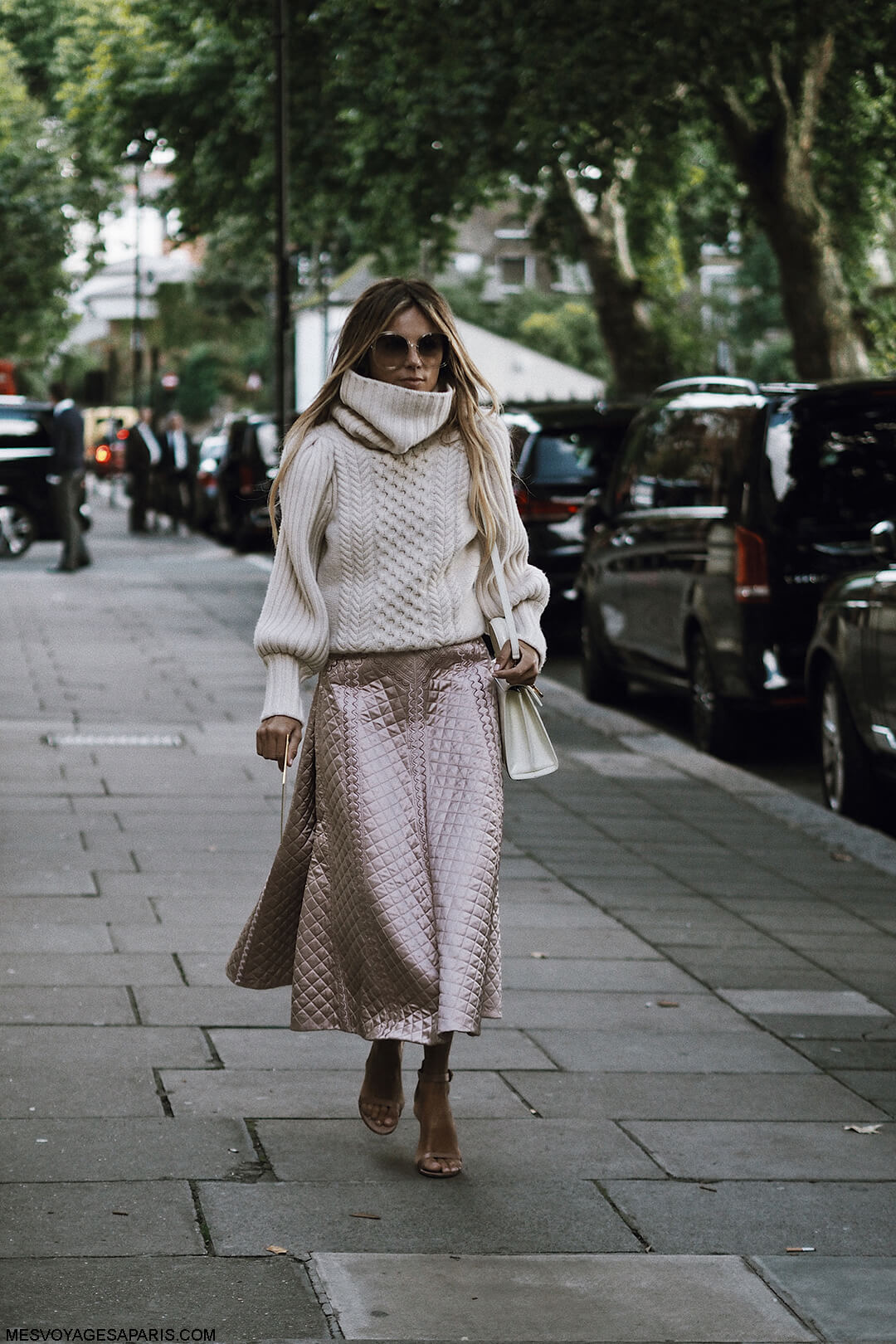 LFW-Street-Style-September-2017-london-fashion-week-Erica-Pelosini-pink-skirt