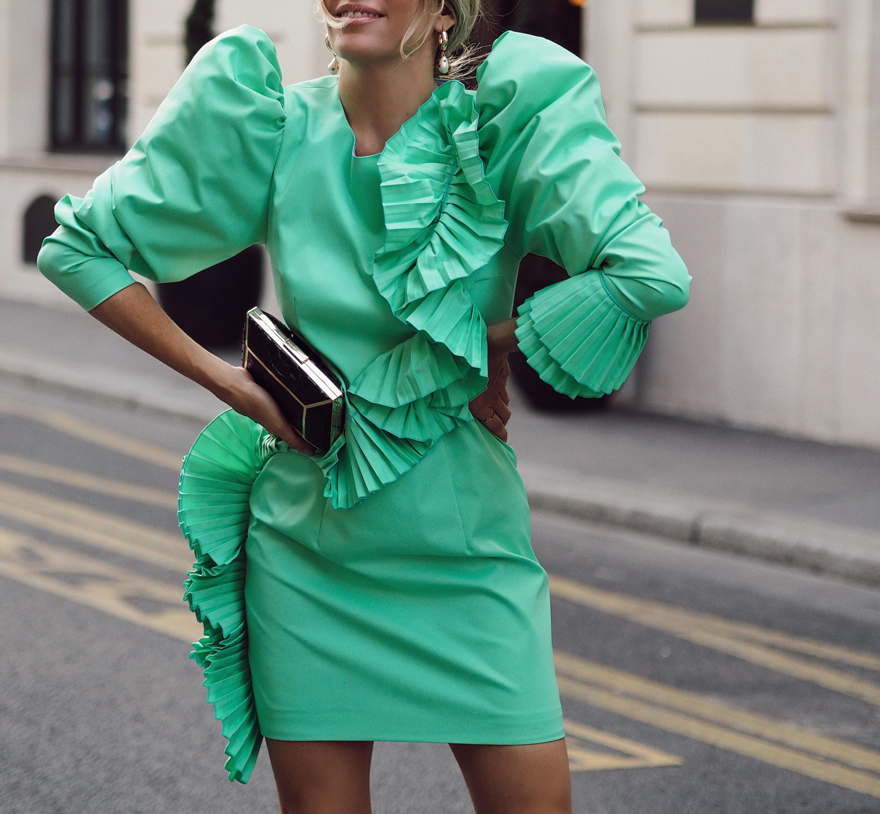 puff-sleeves-dress-street-style