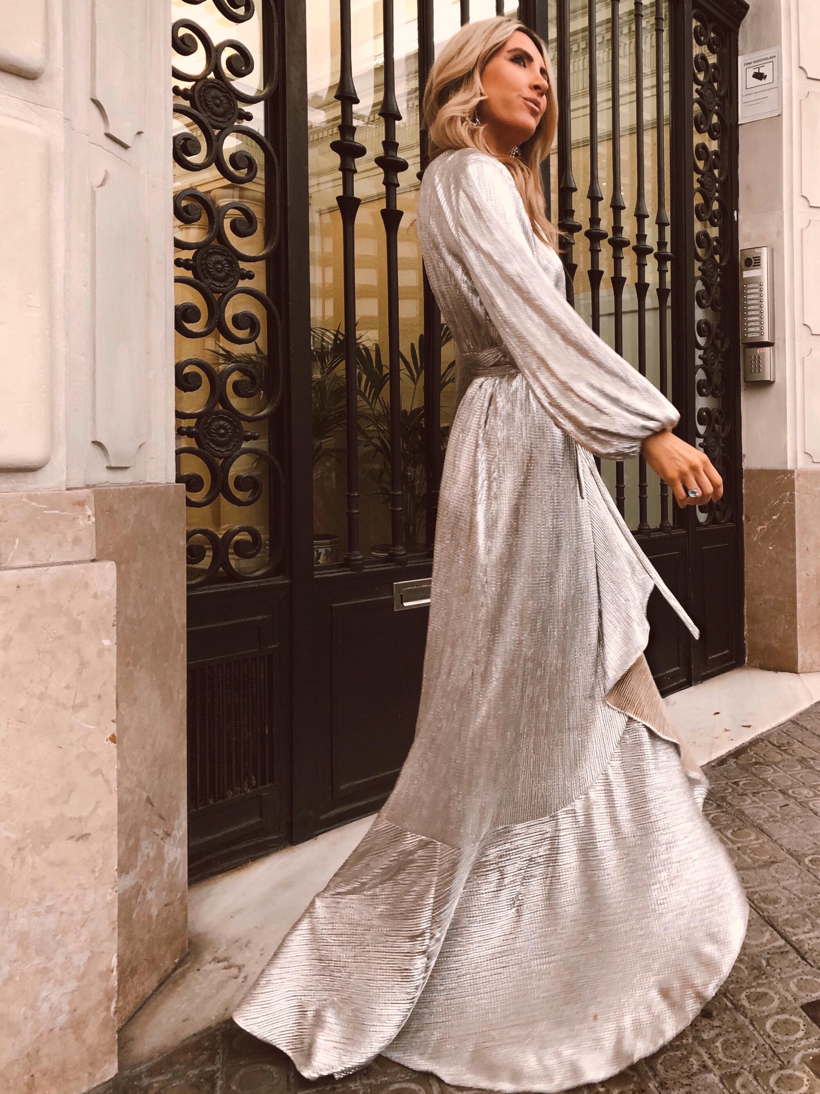 invitada-perfecta-en-bodas-influencer-looks-navidad-2019